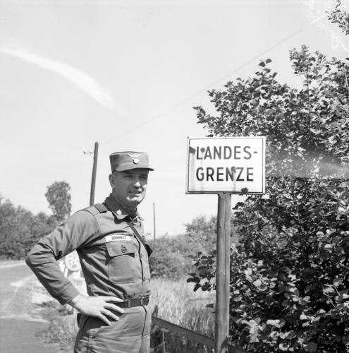 German border-Czech-Camp Gates-2nd Armd Cav-NÅrnberg-(A 4145